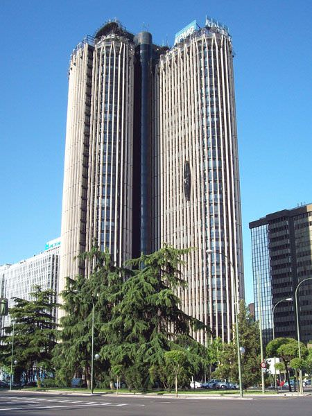 Torre Europa - JLL ONE