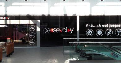 Pause Play - Leon Plaza
